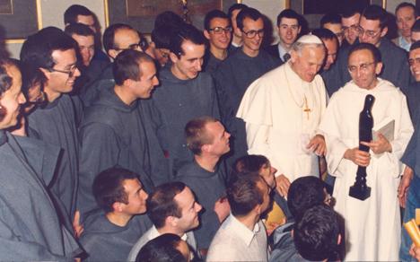 Communauté Saint-Jean auprès du pape Jean-Paul II avec le père Marie-Dominique Philippe