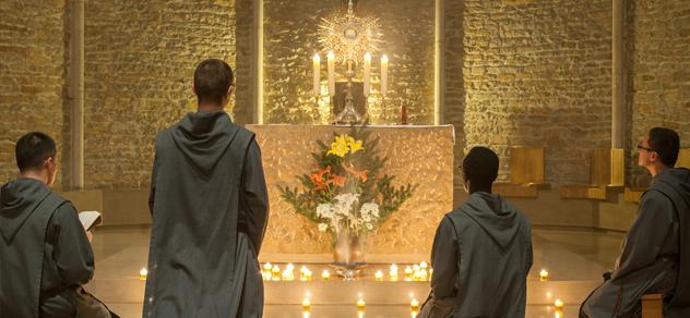 Frères de saint-Jean adoration eucharistique