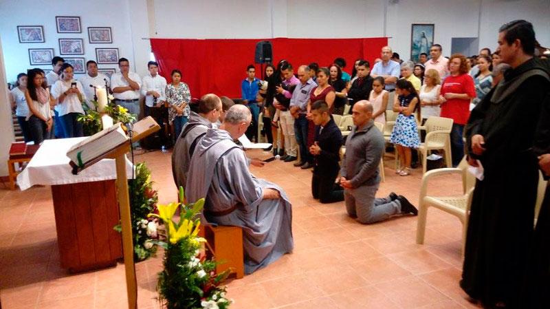 Monterrey : prises d'habit des Frères de Saint-Jean