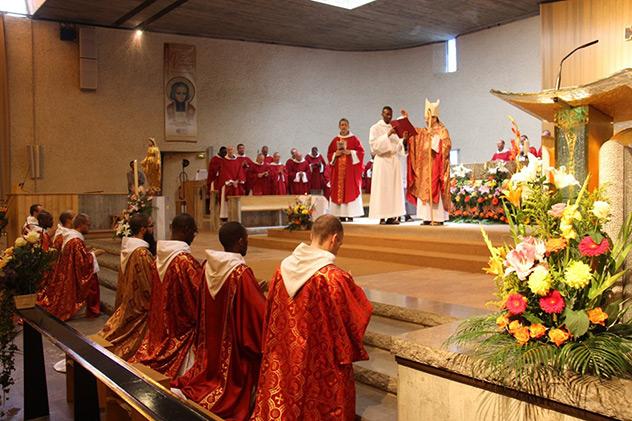Ordinations sacerdotales 2019 de 8 Frères de Saint-Jean